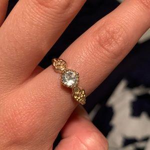 Super cute golden ring ☀️
